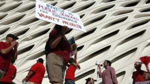 LA-TImes-Broad-Protest-Photo